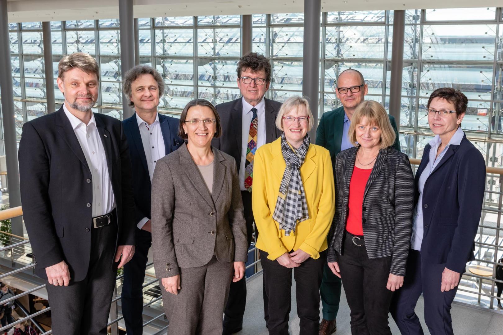 Gruppenfoto des Bundesvorstandes mit Präsidenten 2019 - 2022