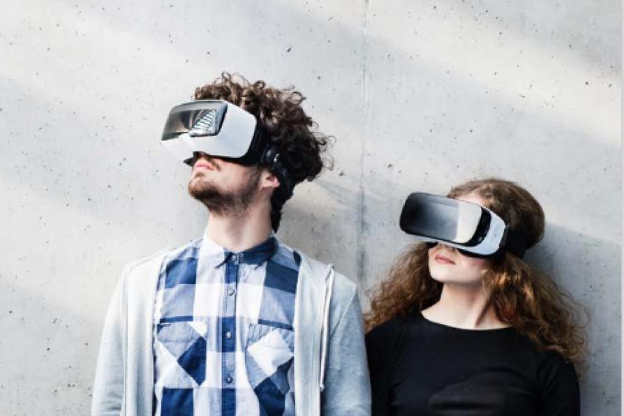 Personen mit VR-Brillen